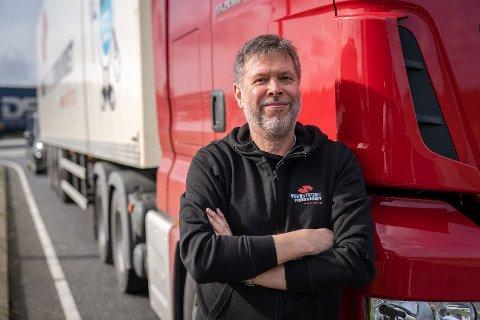VEDLIKEHOLD:  Forbundsleder Jim Klunges i Yrkestrafikkforbundet ber om at vedlikehold av eksisterende veier prioriteres foran utbygging av nye beistrekninger.