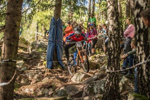 BANEREKORD. Hakadøl Ole-Herman Bergby klinket til med gull da han i helgen vant NM i utfor på sykkel. Banerekord ble det også, ettersom løypen var helt ny.