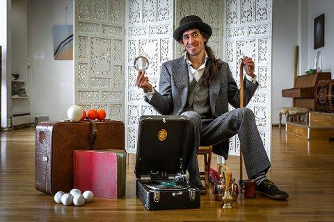 I FLAMMEN LØRDAG: Sjongleringskunstneren Diego Belda.