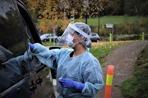 FLERE TESTES: Den første uka i januar var det snaue 329 nittedøler som testet seg for koronaviruset. Uka etter var man oppe i 693.