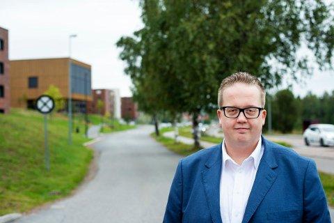 FORVENTNINGSFULL: Helge Fossum ser fram til å debattere i formannskapet når planleggerne stikker innom med problemstillinger knyttet til den nye kommuneplanen som skal vedtas høsten 2022.