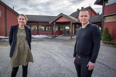 SAMLE KUNNSKAPEN I BYGDA: Leder i Nittedal Næringsforening, Monica Torp Olufsen, og Øystein Nygård i Gründ Nittedal sier de vil skape et miljø for mennesker som vil starte bedrift i Nittedal.