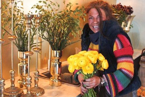 LENGE I GAMET: Else Tvedt hos Elses Flora på Åneby har jobbet med blomsterdekorasjon siden hun var 15 år.