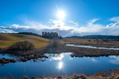 VAKKERT: Så fint er det altså på Romerike når sola titter fram. Denne helga er det mye sol i vente.