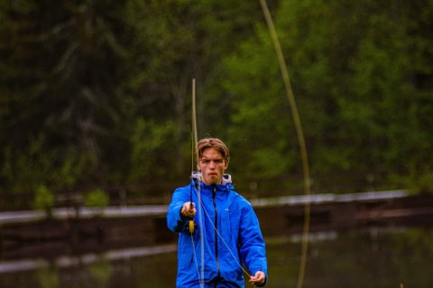 NY FESTIVAL: Ungdomsleder i Nittedal og Hakadal skog-, jakt- og fiskeforening, Magnus Bakken, forteller at de vil rekruttere unge nittedøler til å begynne med fisking med den nye elvefestivalen.