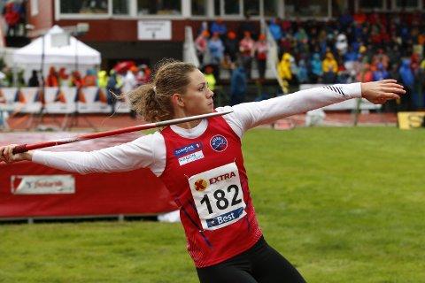 SPYDKASTER: Lena Marie Hansen konkurrerte for Nittedal IL, og har sølv og bronse i spyd fra senior-NM, og seirer i både jr-NM og UM.