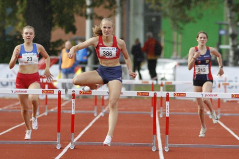 TRE GULL OG ETT SØLV: Cassandra Ødegård Nilsen vant 80 meter hekk, 300 meter hekk og lengde, mens det ble sølv i kule.