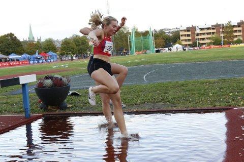 SØLV OG BRONSE: Ida Fuglset tok sølv på 3.000 meter og bronse på 1.500 m hinder under UM.