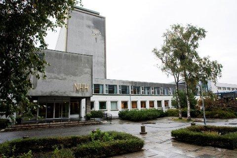 NHH klartrer på rangeringen over verdens beste lederutviklingsprogrammer.