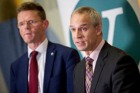 Venstres finanspolitiske talsmann Terje Breivik og KrFs finanspolitiske talsmann Hans Olav Syversen er ikke på linje i synet på bruken av oljepenger til tiltak mot arbeidsledigheten. FOTO: JON OLAV NESVOLD, NTB SCANPIX