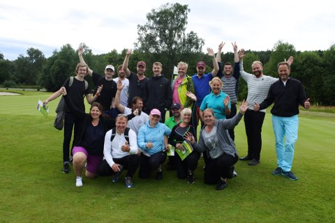 Entusiastiske deltakere på Veien-til-golf-kurset i Soon Golfklubb i sommer.