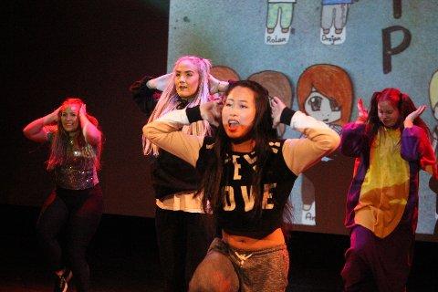 Endelig fikk elevene på Follo Folkehøgskole vise frem sine egne opptredener, og i samme slengen samle inn penger til opphold i New York. Foto: Camilla Marie Reierstad