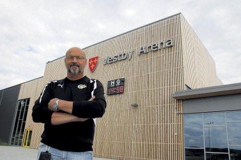 NY LØYPE: Arild Kristensen i Vestby IL fronter turløypa som er planlagt ved Vestby Arena og Sole.