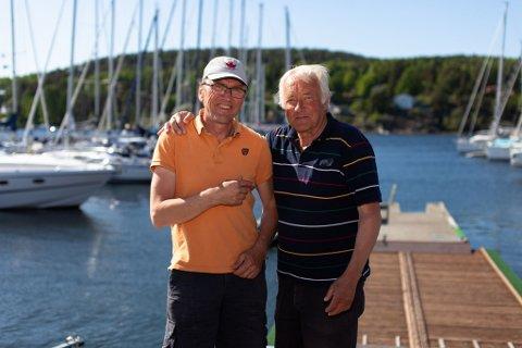 Knut Chr. Hallan (t.h.) sammen med en annen initiativtager for onsdagsregattene, Rolv Møll Nilsen.
