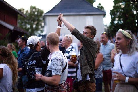 GOD STEMNING: Prestivalen ble arrangert to år på rad, i 2017 og 2018, og skapte god stemning ved Prestegården i Vestby. Nå er firmaet tvangsoppløst.