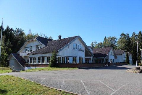 VEST FOR E6: Marche øst for E6 på Storebaug i Rygge. Nå har Vestby Hyttepark overtatt ansvaret for driften av både restaurant og overnatting.