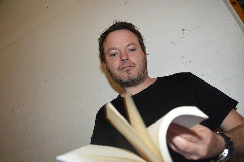 FORELESER: Steffen Dahl gjester Vestby bibliotek onsdag 10. oktober.
