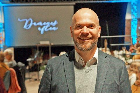 Marius Holmgren, markedskoordinator for Vestby Storsenter, er svært fornøyd med besøkstallene for storsenteret denne sommeren.