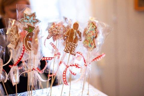 JULEMESSE: Under fjorårets julemesse kunne besøkende blant annet kjøpe disse fine pepperkakene.