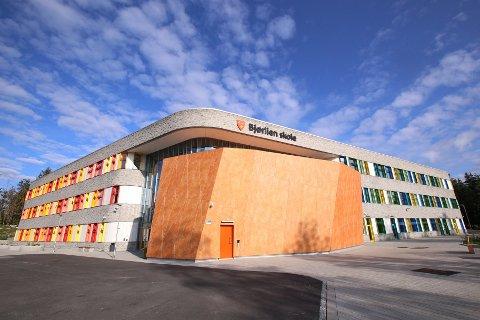 En klasse på femte trinn og fem lærere er i karantene ved Bjørlien skole.