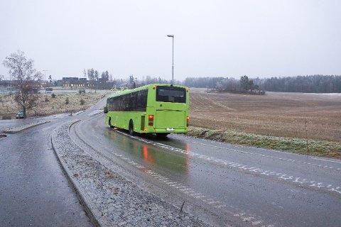 Bussbilletter i Vestby fikk en liten prisøkning søndag.