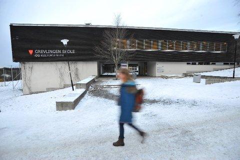 SNART FULL: Grevlingen skole og kultursenter i Son er snart full.