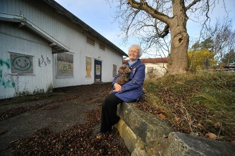 KASTES: Bente Bakke reagerer sterkt på at hun nå kastes ut av byggekomiteen for Solhøy.