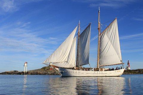 PEDAGOGISK SEILTUR: Skonnertene Solrik (bildet) og Fryd vil ta mange barn langs Oslofjorden med ut på sjøen i løpet av sin tokt fra Sørlandet til Oslo.