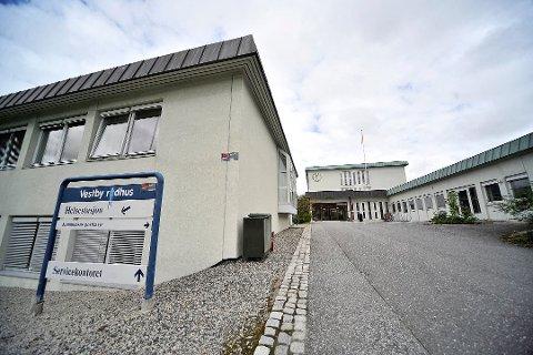 TIDLIGSTEMME: Det blir mulig å tidligstemme på servicekontoret på Vestby rådhus fra mandag.