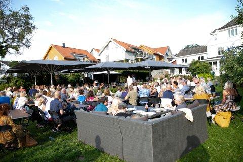 KLARE: Hos Hagestua er man klare for nok en sesong med konserter i hagen.
