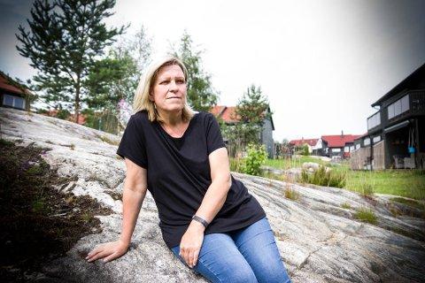 TÅKE: Bente Nicolaysen forklarer at hun bare husker noen bilder fra de to hendelsene. – Jeg opplever det fremdeles som en slags tåke. Foto: Tonje Ruud Sjølie