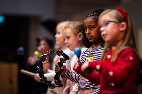 TO KOR: I to år har Baluba gledet med flott sang i Son. Nå startes det opp ytterligere et barnekor i Son Kulturkirke. Bildet er fra en tidligere konsert med Baluba.