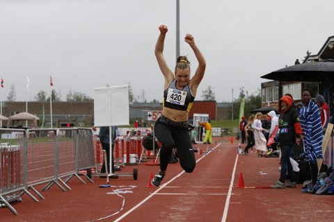 TRESTEG: Mathilde Sofie Karlsen Klokseth (16) hadde håpet på medalje i tresteg. Hun ble nummer fire like bak bronsen.