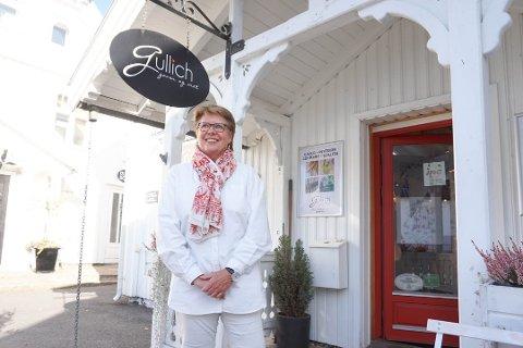 PÅ BILDEJAKT: Leder Tove Hauge i Vestby Næringsforum er på bildejakt. Hun oppfordrer alle fotoglade sende inn sine Vestbybilder slik at de kan brukes på den nye nettsiden som skal trekke flere besøkende til Vestby.