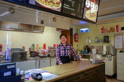 Brevik Kro og Pizza har blitt Guolan Zhangs (56) andre hjem.