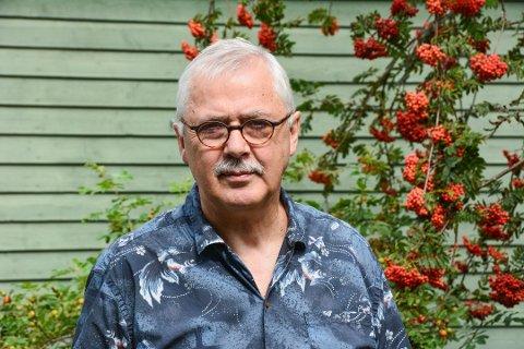 HJEM: Plassen på Sunde i Kvinnherad har Lars Amund Vaage beholdt. Forfatteren har også skapt seg et nytt hjem i Son.