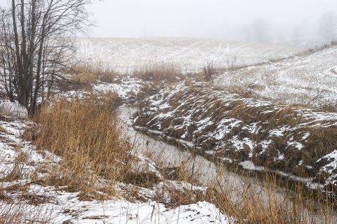 Norconsult har på oppdrag fra Vestby kommune levert rapport med geotekniske undersøkelser, inkludert utredning av områdestabilitet, sørvest for Hølendalen, langs Hølenselva mot utløpet i Son.