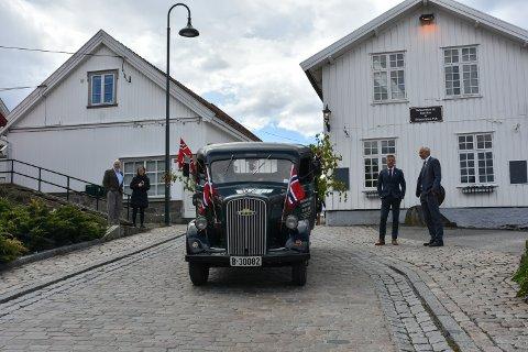 Også i år blir 17. mai-markeringen annerledes, men 17.mai-koordinatoren i Vestby kommune, Randi Engseth forsikrer at det beste blir filmet og vist på kommunens hjemmesider. Bildet er fra bilkortesjen gjennom Son i fjor.