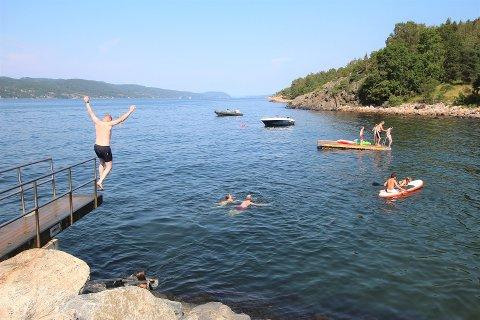 NÅ KOMMER REGNET: Sommeren har så langt bydd på flere perfekte sommerdager. Lørdag og søndag ser ikke ut til å falle under denne kategorien.