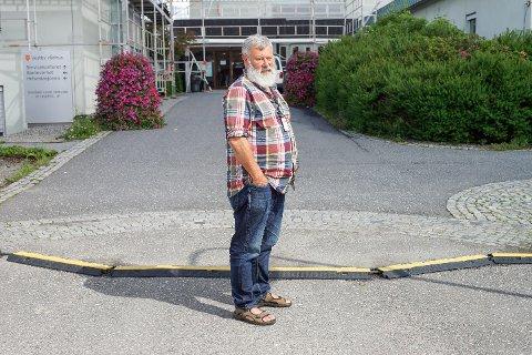 SKAL JAKTE PÅ NY ØKONOMISJEF: – Det er en viktig stilling vi skal lyse ut, sier Rune Sletner, fungerende rådmann i Vestby kommune.