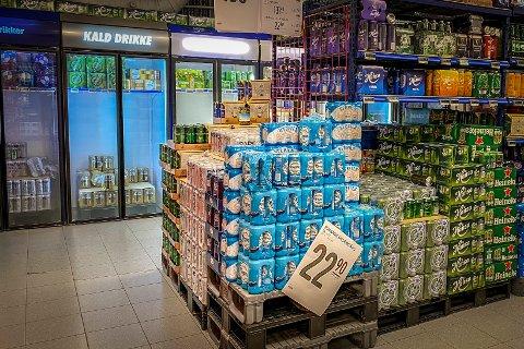 Blir det streik, kan butikkene gå tomme for øl og brus i løpet av neste uke, sier tariffansvarlig i NNN.
