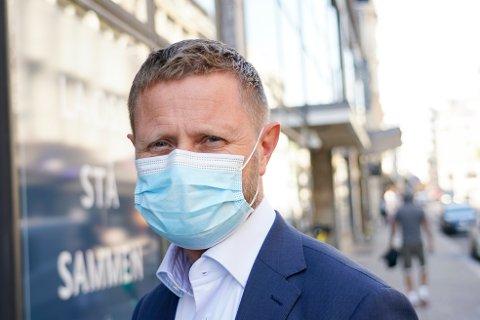Oslo 20200807.  Helse- og omsorgsminister Bent Høie ber nabokommunene til Oslo, deriblant Vestby, om å vurdere munnbindpåbud.