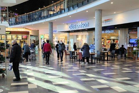 Både senterleder for Vestby Storsenter og senterleder for Oslo Fashion Outlet Vestby forteller at de opplever kundebesøk fra andre kommuner. -