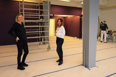 – Neste uke kommer tegningene som viser hvor apparatene skal stå. Det blir spennende, sier Solveig Onstad. Både hun og Anita Agnemyr er klare for å ønske folk i Vestby velkommen inn så snart lokalene er ferdige.