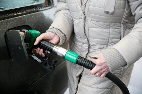 Bensinprisen i mars i år er den høyeste marsprisen som er målt noensinne.