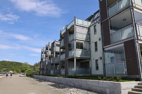 Havnegata 3 (Gnr 160, bnr 251, seksjon 9) er solgt for kr 4.000.000 fra Kristine Hov Martinsen til Marie-Helene Moreau Buvik (30.04.2021)