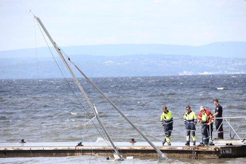 FORT: Det gikk veldig fort fra meldingen kom inn til båten lå fullstendig under vann.