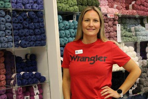 Vært der siden oppstart: Karin Eriksson Ehrlund har vært  butikksjef i Spar Kjøp Vestby siden de etablerte seg på Vestby Storsenter i 2013.