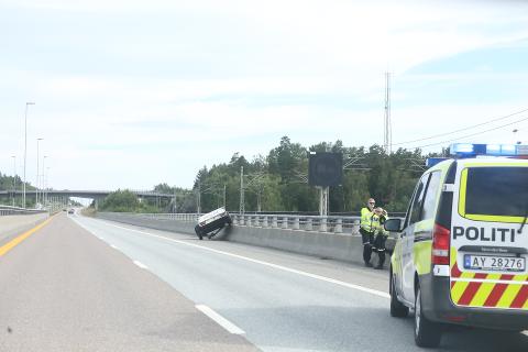 UHELDIG: Tirsdag morgen mistet en bilist hengeren på E6 rett etter Follotunnelen i retning Oslo.