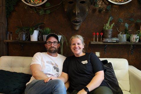 MERKEDAG: Marie og Timothy Aaron Morris på The Coffee Shop i Vestby er klare for at tempoet øker.